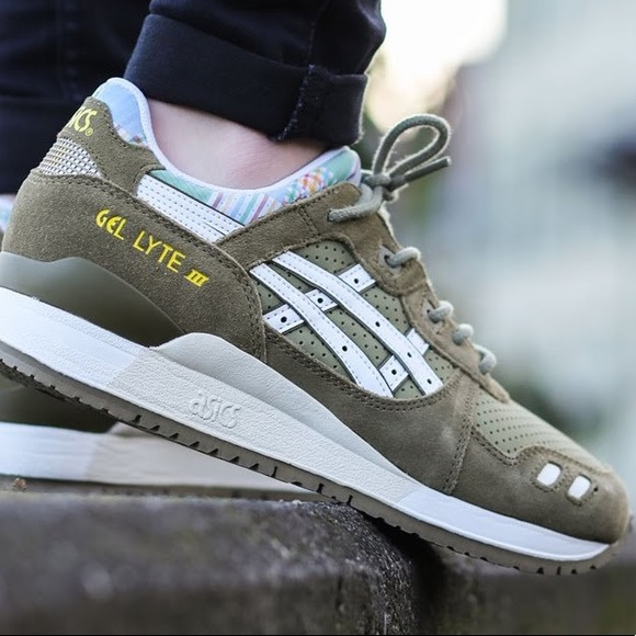wholesale dealer 05c2c 1d9f1 Asics Gel Lyte III Plaid Tongue